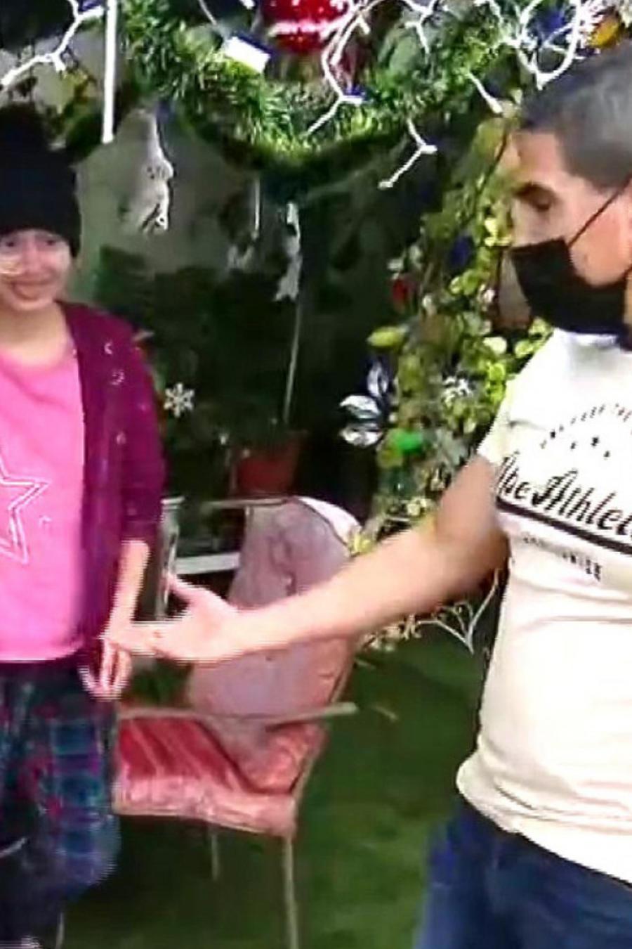 Piolín sorprende con regalos a una niña enferma de cáncer