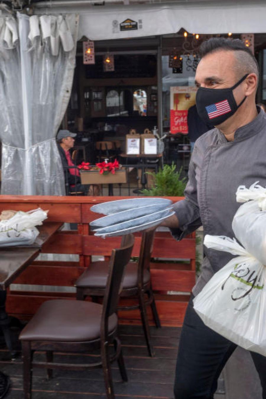 Restaurante en California durante pandemia