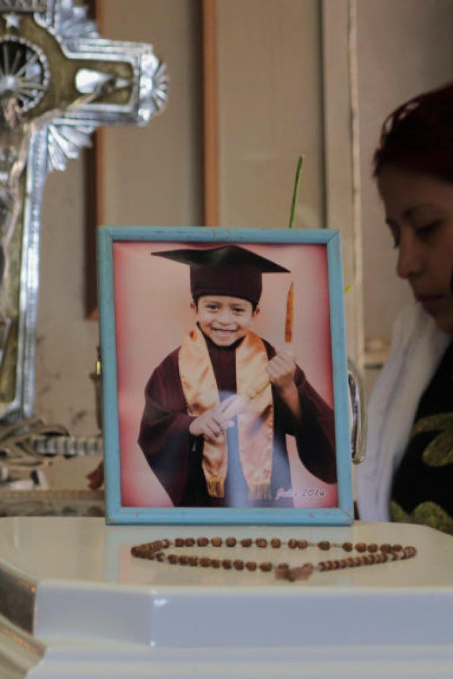 Marisol Tapia, madre de Brandon Giovanny fallecido en el accidente del metro en México