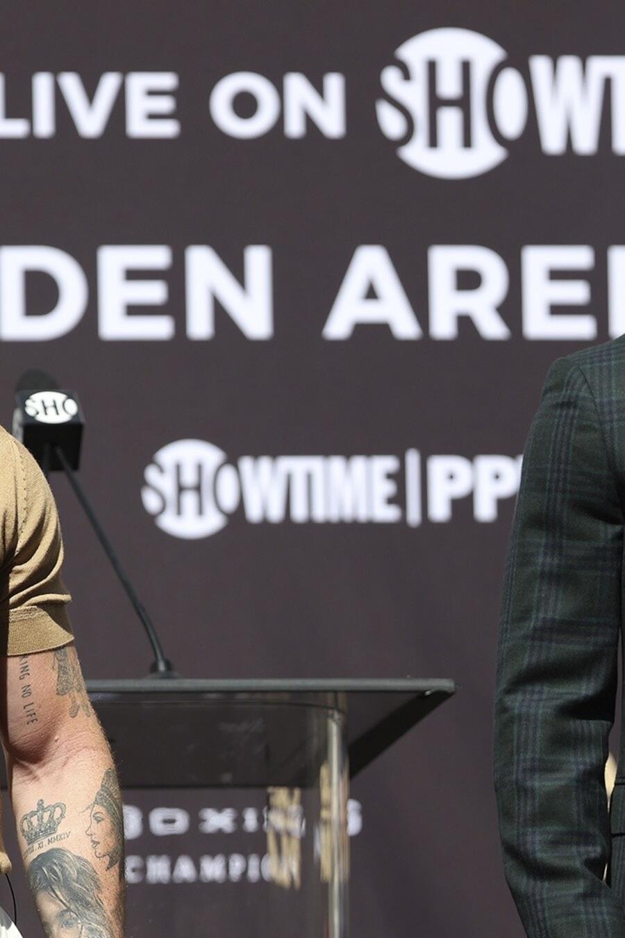 Saúl 'Canelo' Álvarez contra Caleb Plant.