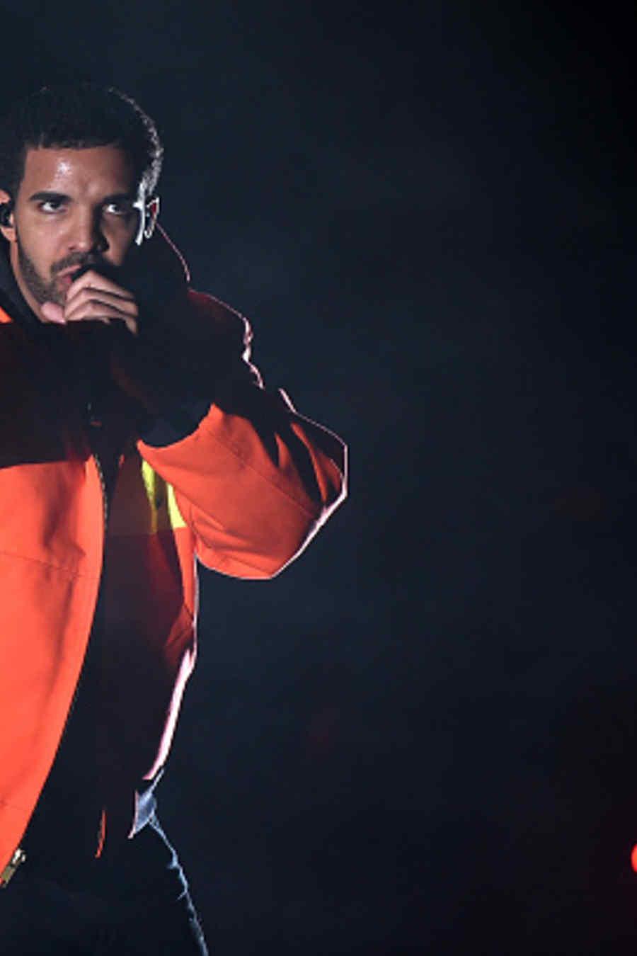 Drake, cantando, Festical Coachella, 2015