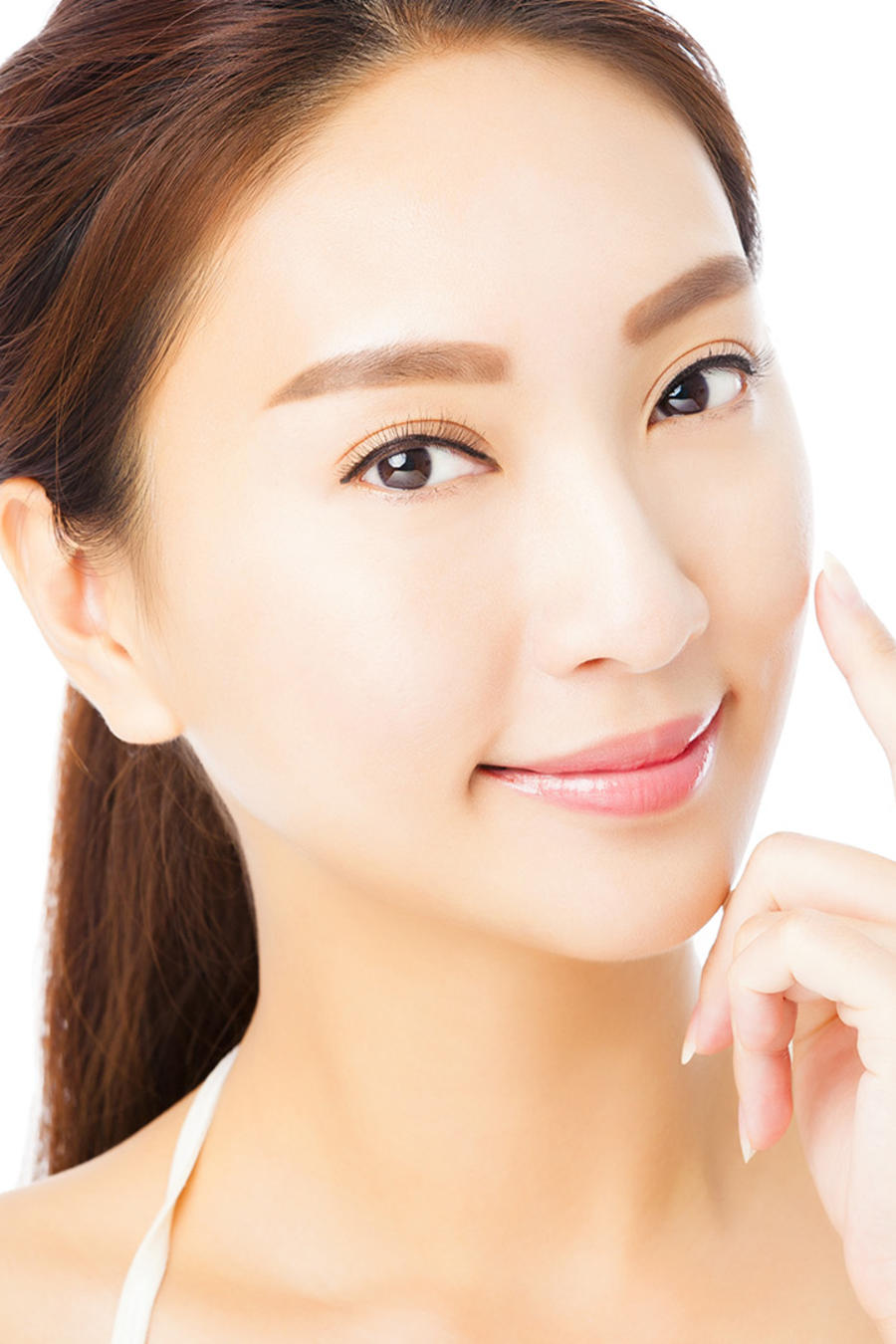 Mujer asiática tocándose el rostro