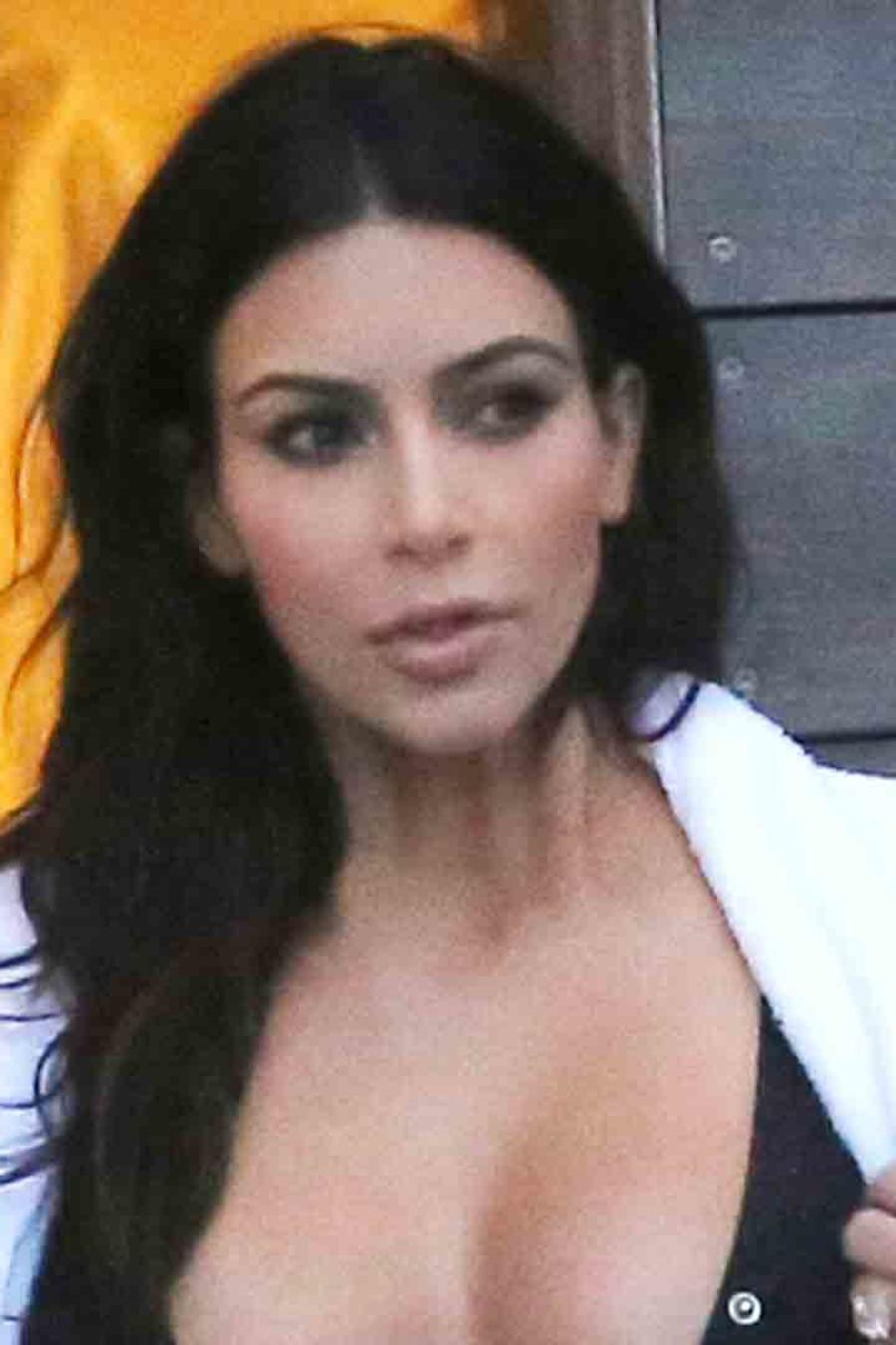 Kim Kardashian en traje de baño