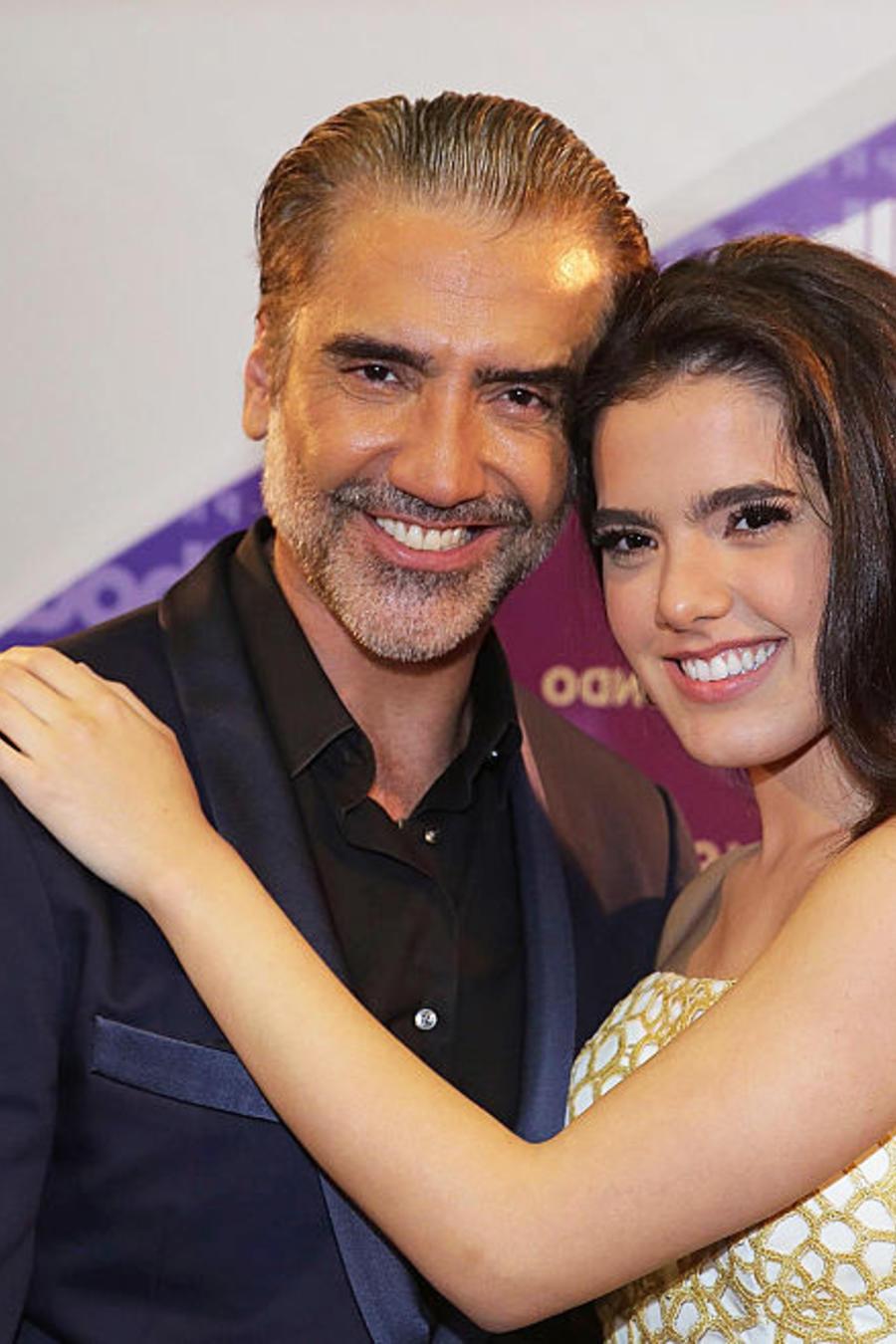 Alejandro Fernández y su hija Camila en los premios Billboard 2016