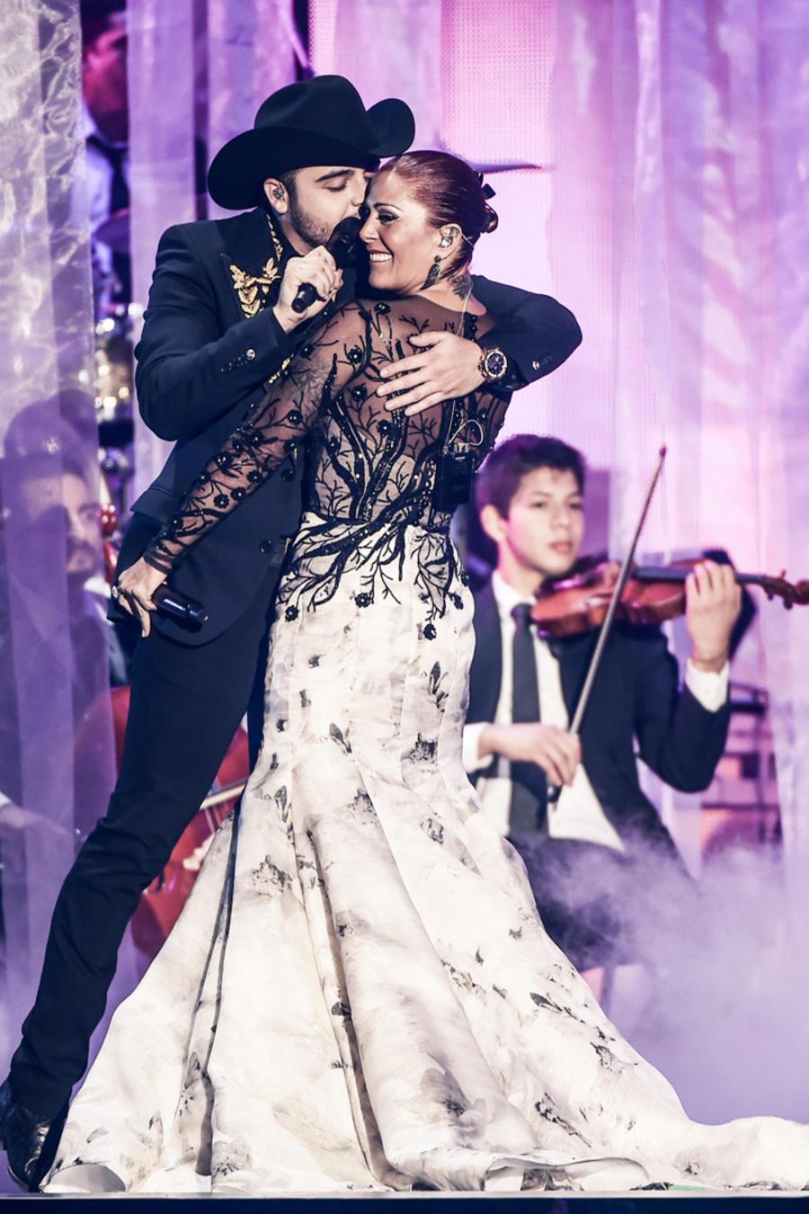 Alejandra Guzmán y Gerardo Ortíz en Premios Billboard 2016