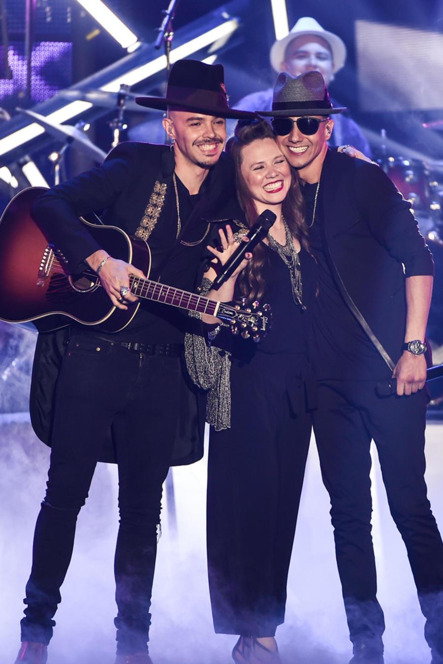 Jesse & Joy y Luis Coronel en los ensayos de Premios Billboard 2016