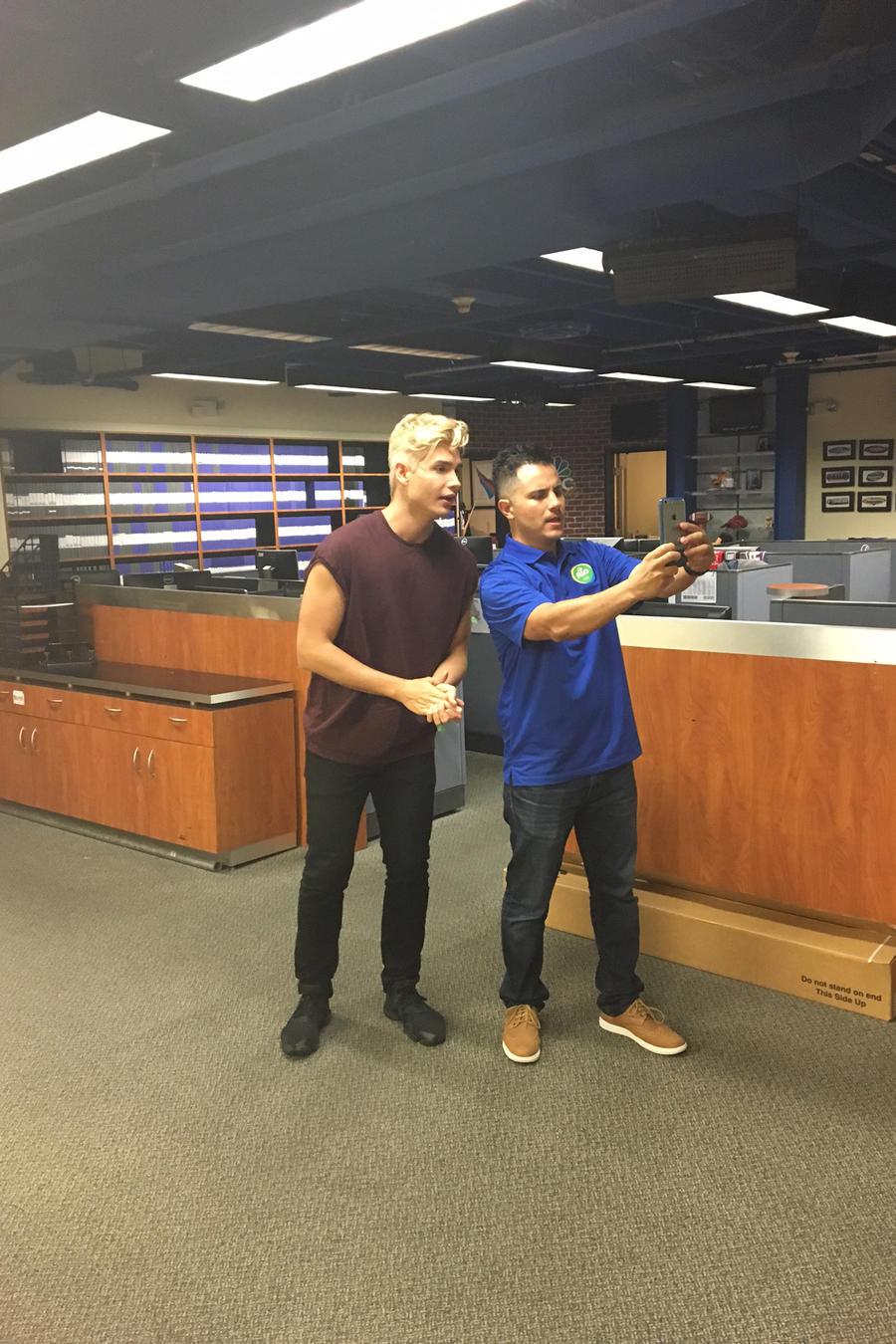 Christian Acosta y Karim Mendiburo Titulares y Más You Now 2016