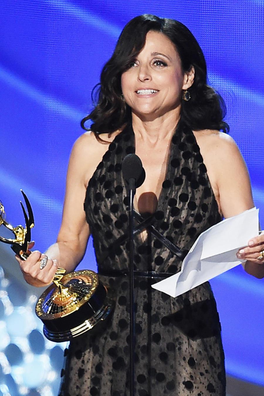 Julia Louis Dreyfus en los Emmy 2016