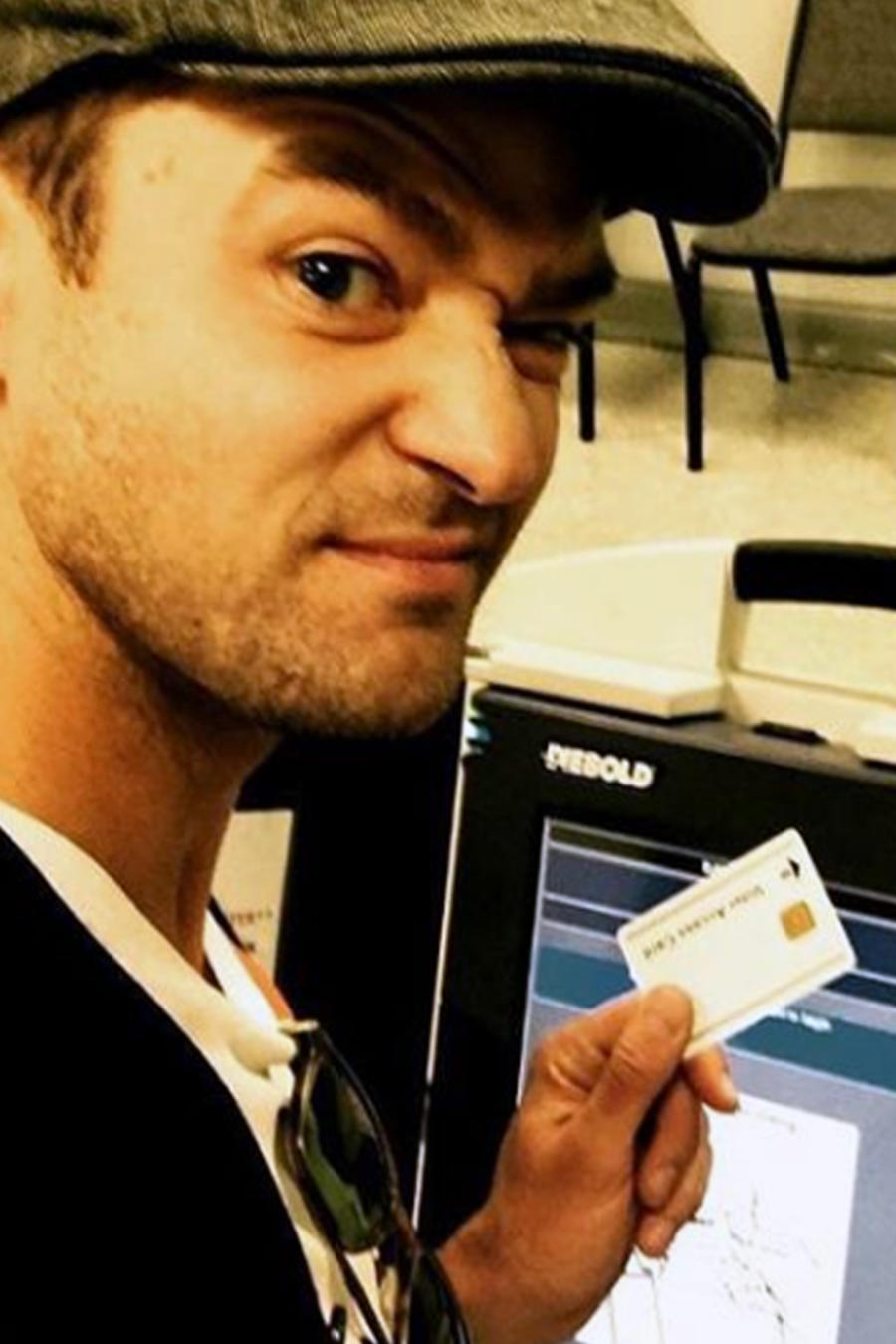 Justin Timberlake votando