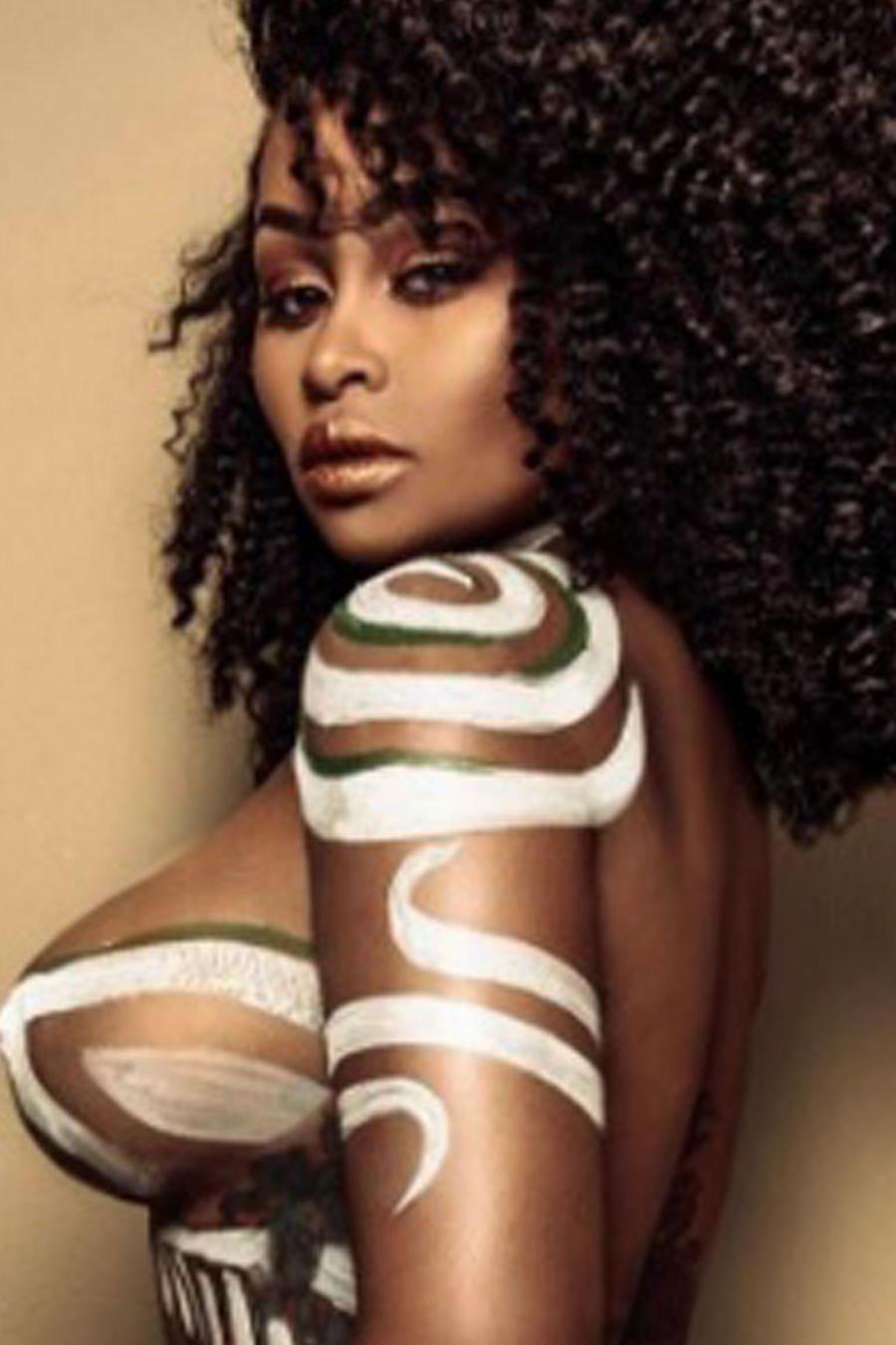Blac Chyna posó con un bodypaint a lo Kim Kardashian