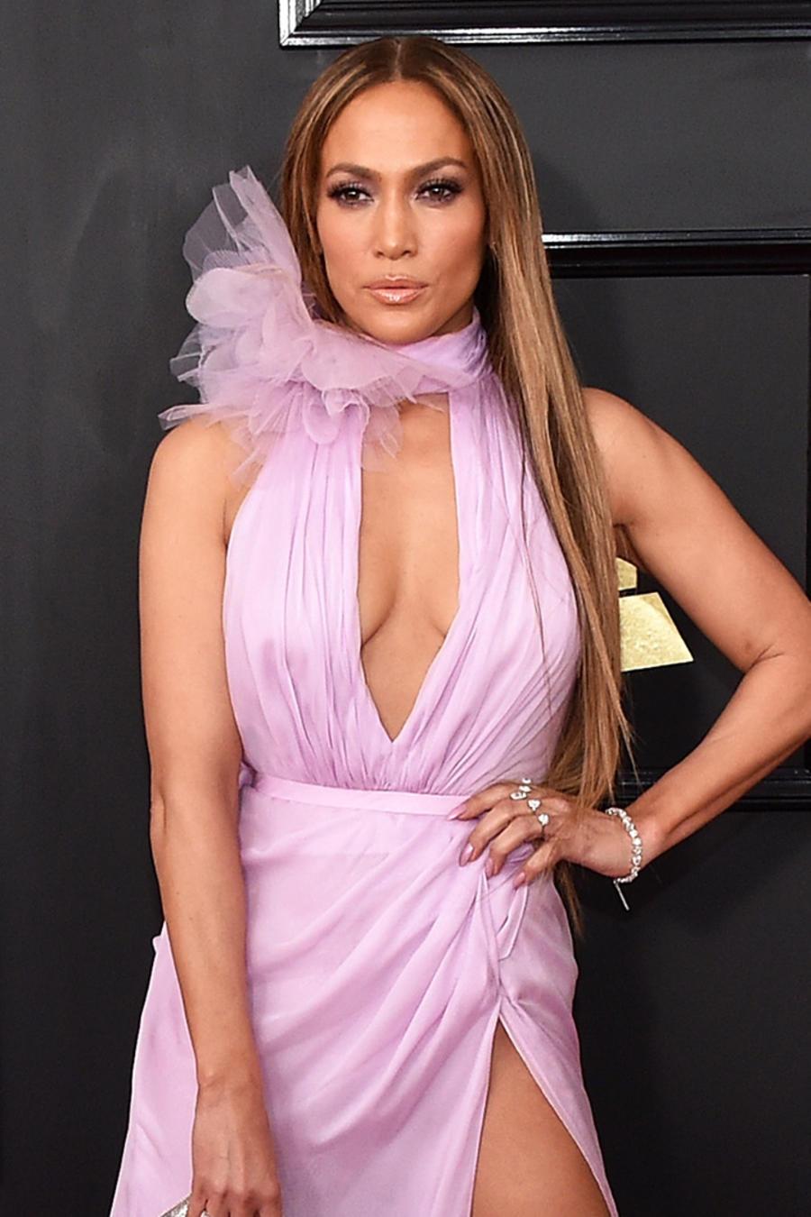 Jennifer Lopez en los Premios Grammy 2017
