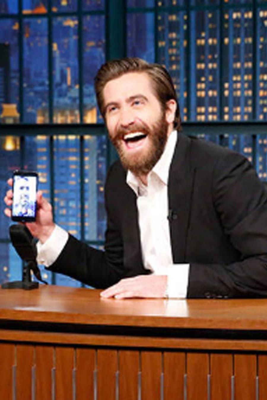 Jake Gyllenhaal haciendo FaceTime