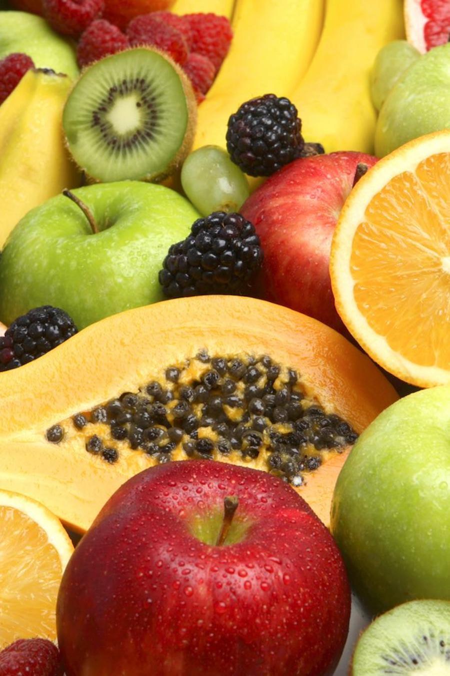 Naranja, manzana y otras frutas frescas
