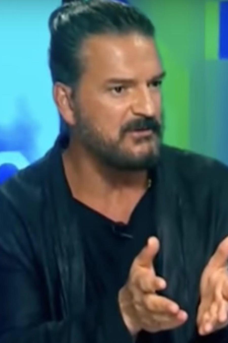 Ricardo Arjona molesto