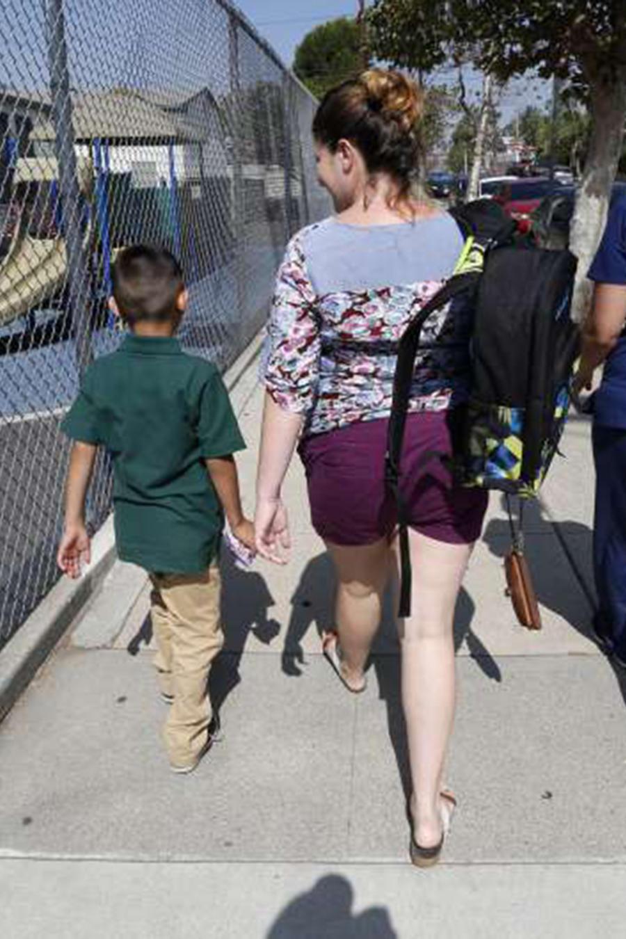 Los distritos escolares no están obligados a recopilar información sobre el estatus de inmigración de los estudiantes.