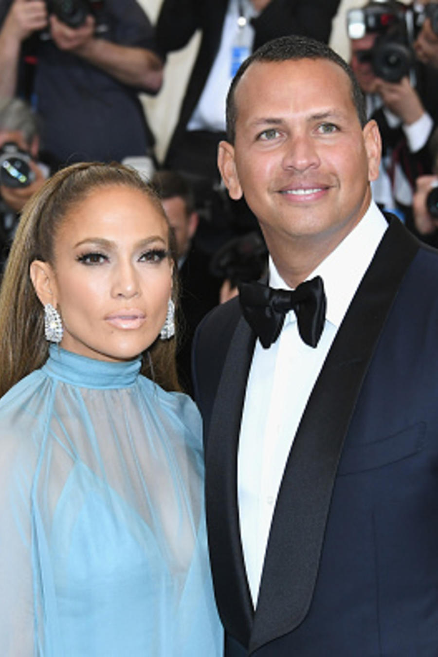 "Jennifer Lopez y Alex Rodriguez-""Rei Kawakubo/Comme des Garcons: Art Of The In-Between"" Costume Institute Gala - Arrivals"
