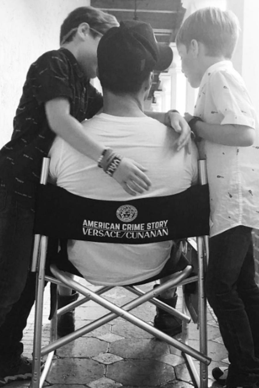 """Los hijos de Ricky Martin lo visitaron en el set de grabación de """"American Crime Story"""""""