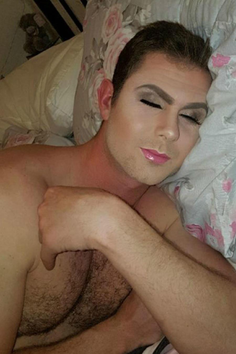 Stephen Hall maquillado