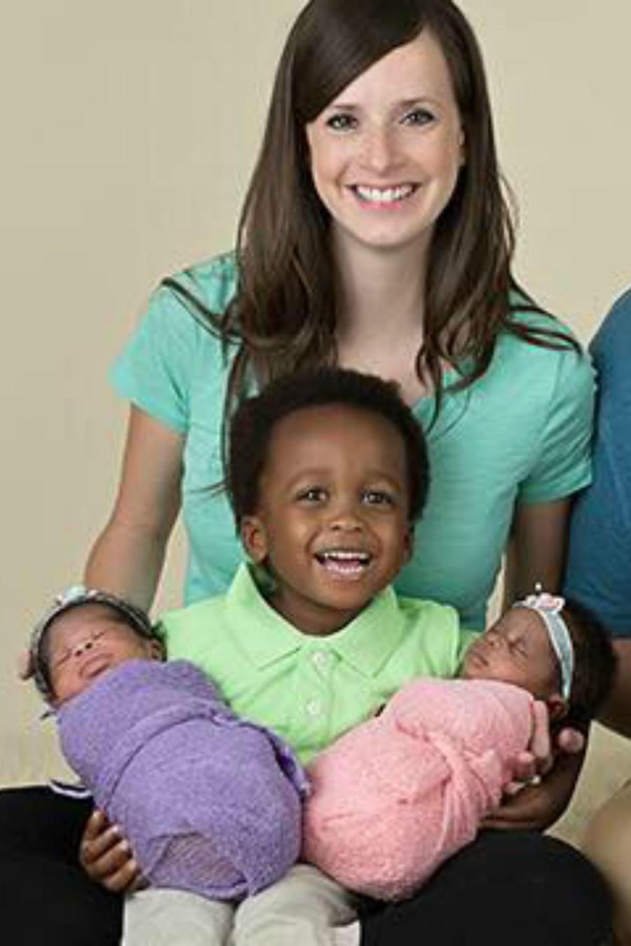 Familia Halbert sonriendo