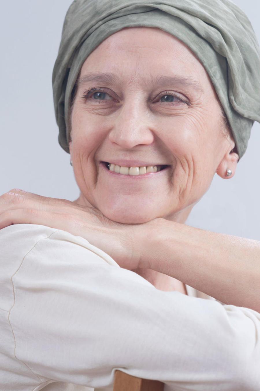 Mujer sobreviviente de cáncer