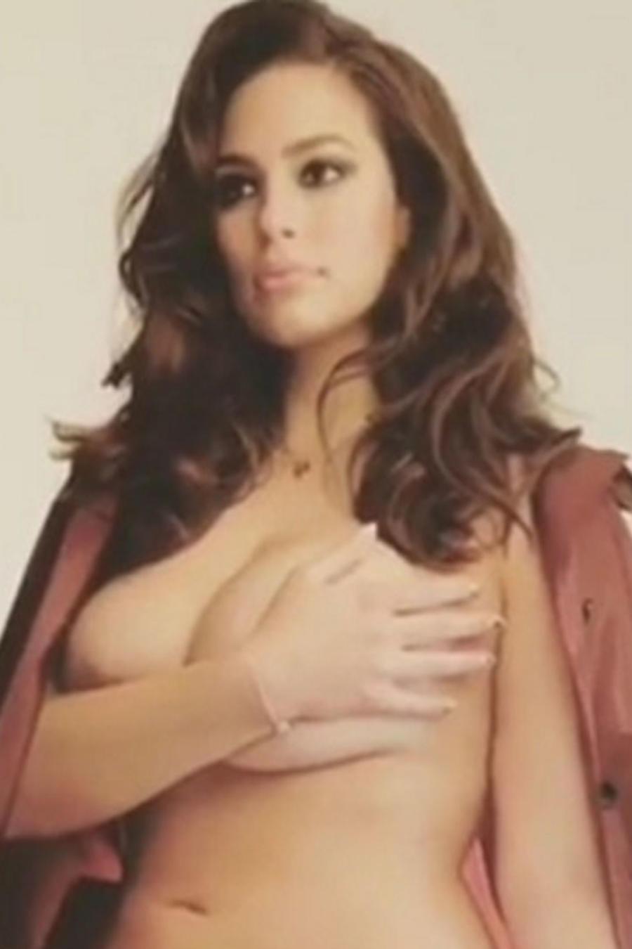 Ashley Graham mostró su cuerpo desnudo