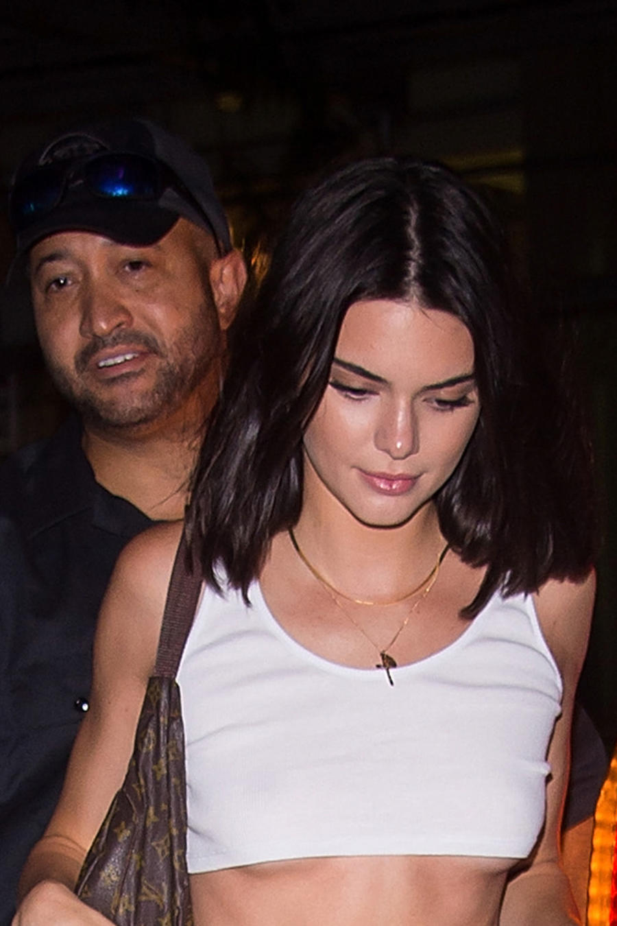 Kendall Jenner con top blanco