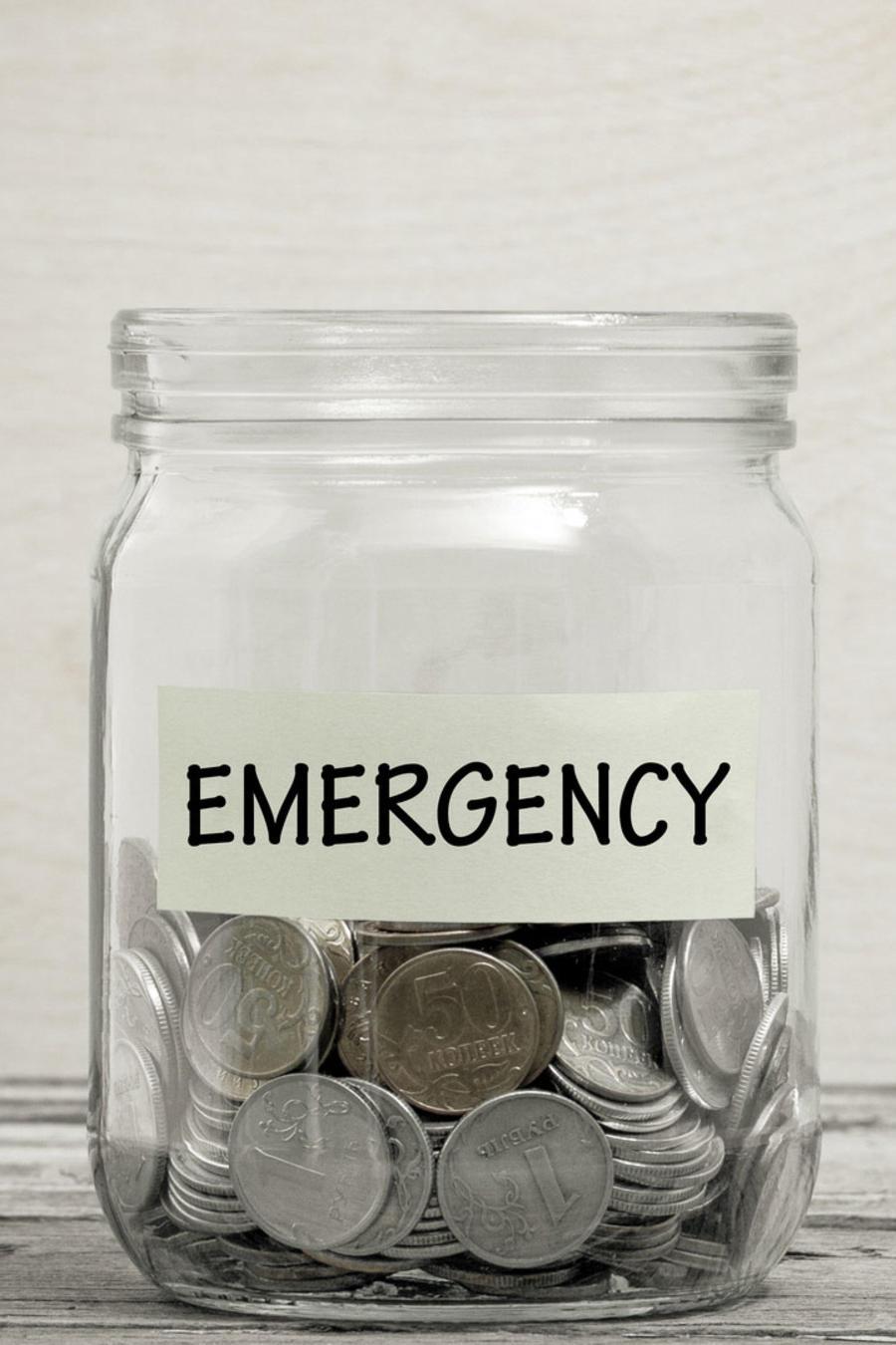 Frasco de emergencia con monedas