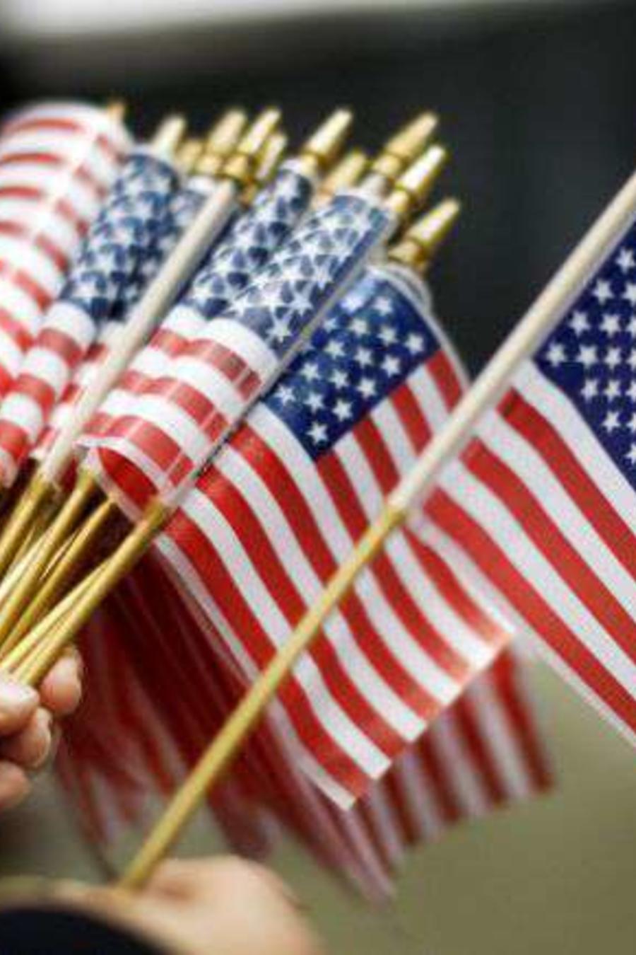 Foto de archivo de banderas para ceremonia de naturalización de inmigrantes