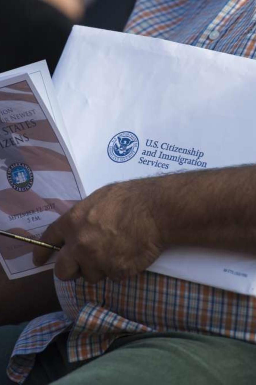 El DOJ mantiene una campaña permanente contra quienes mientan para obtener la ciudadanía.