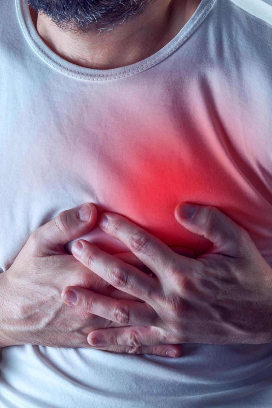Hombre con ataque al corazón