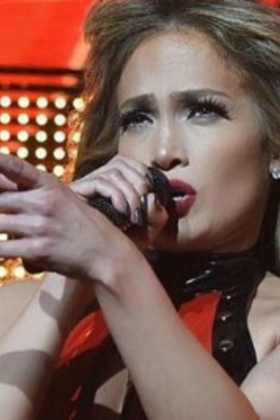 Jennifer Lopez cantando
