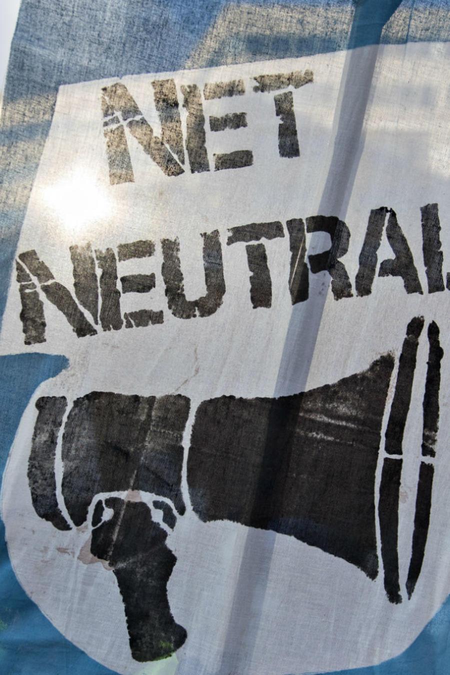 Pancarta sobre la neutralidad de la red