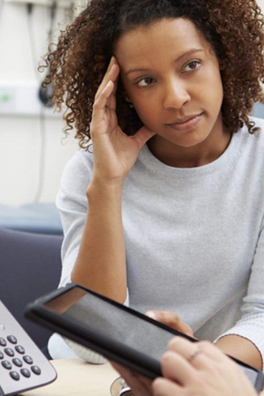 Una organización ayuda a personas a pagar sus deudas médicas