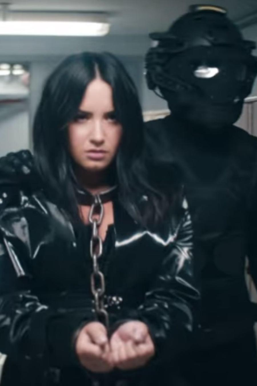 """Christina Aguilera con Demi Lovato en """"Fall in Line"""""""