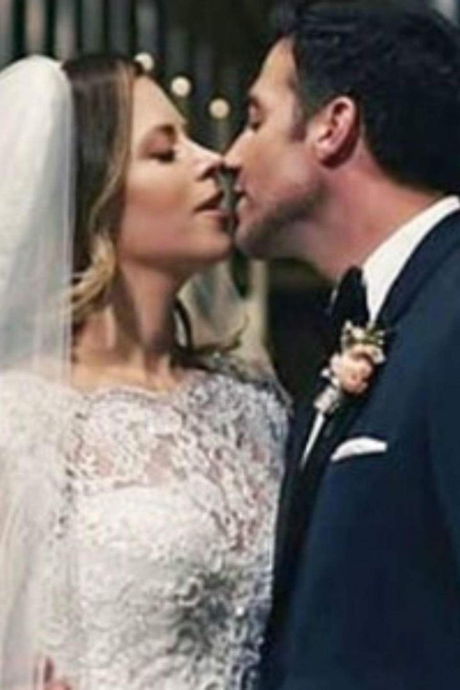 Ximena Duque y Jay Adkins el día de su boda