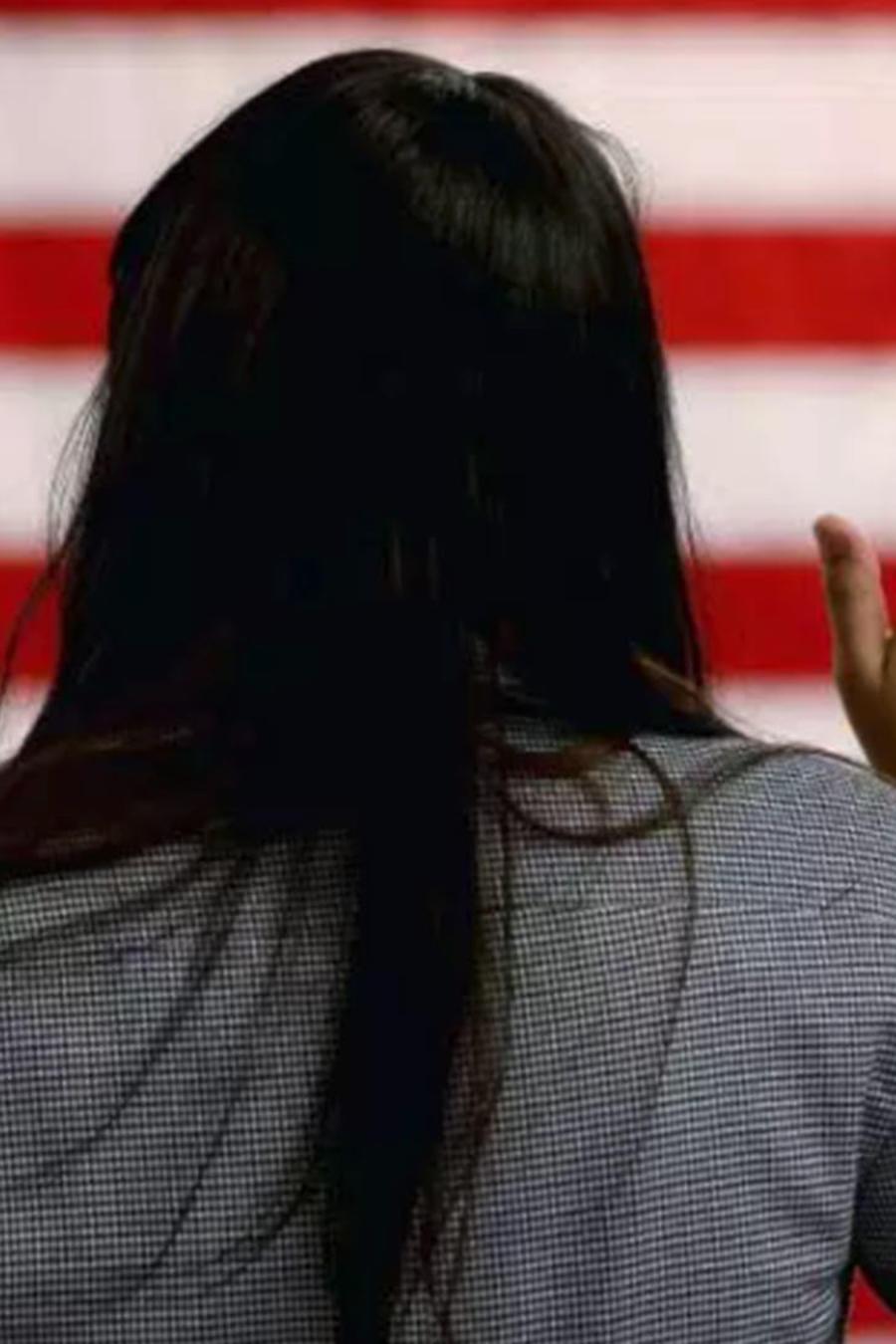 Inmigrante jura bandera de EEUU