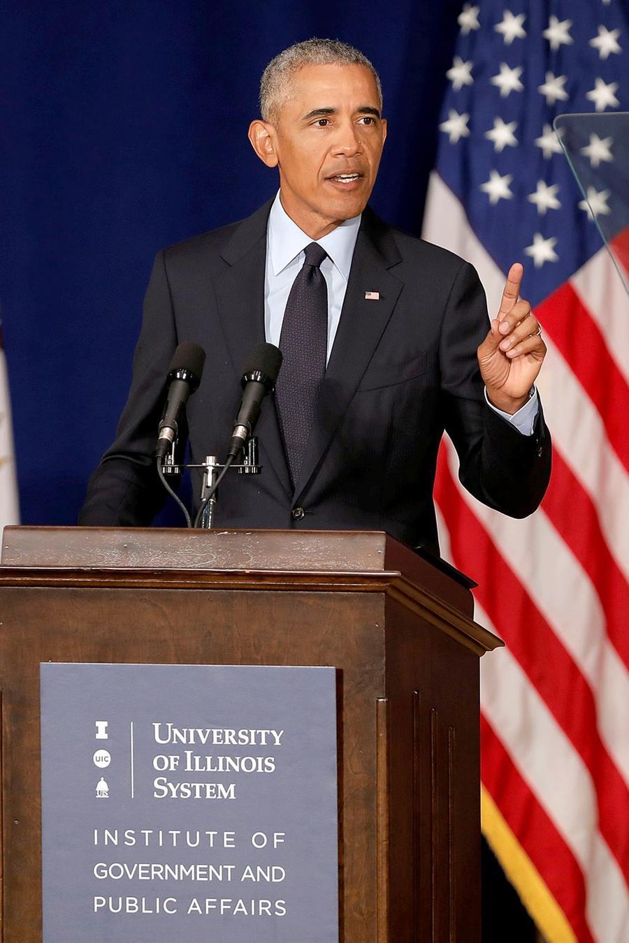 El expresidente Obama en la Universidad Urbana-Champaign de Illinois el 7 de septiembre del 2018