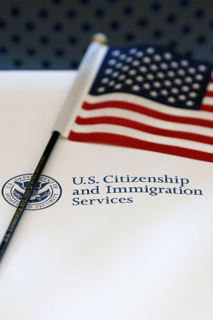 Sobre de ciudadanía en EEUU en una imagen de archivo