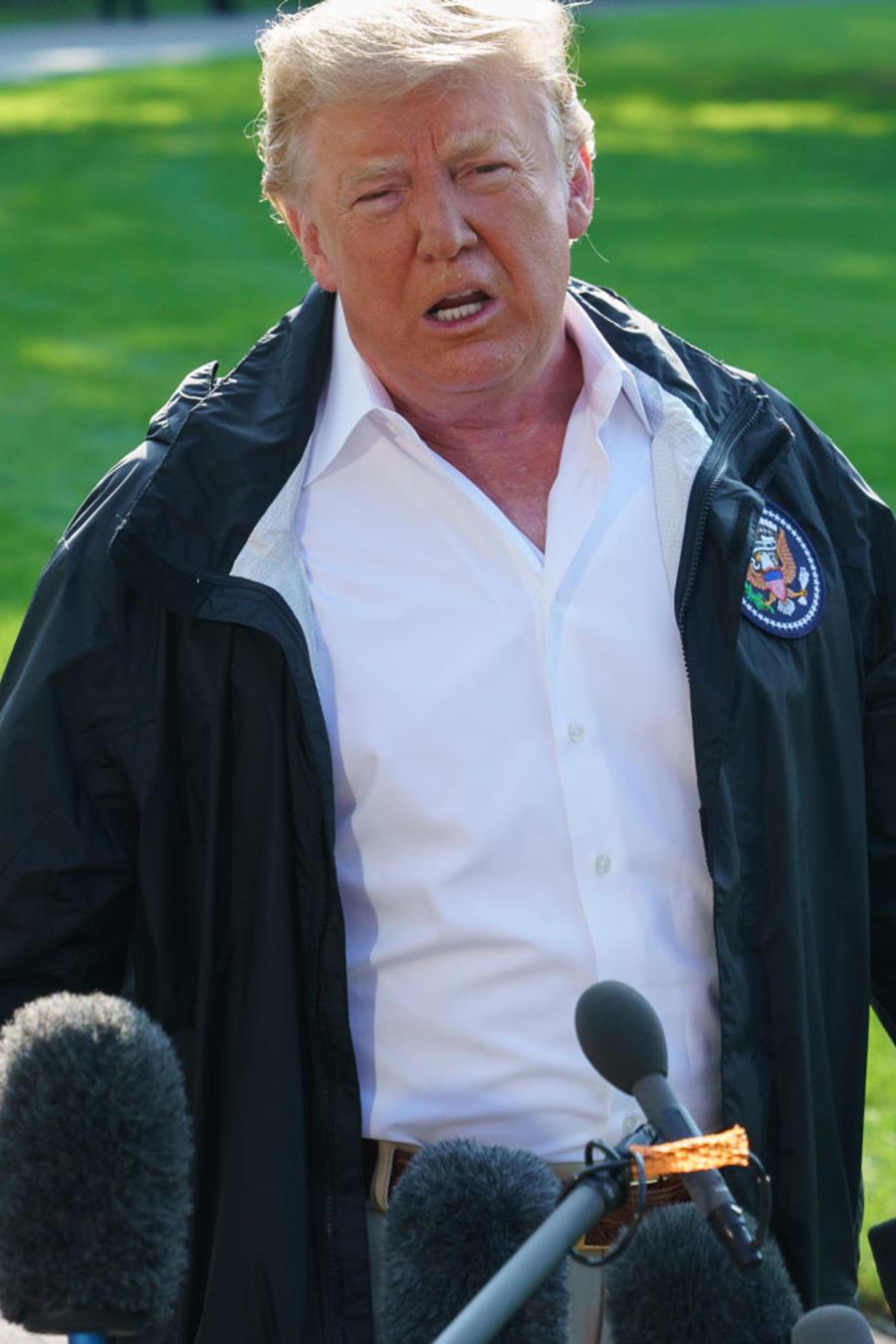 El presidente Trump habla a la prensa antes de partir hacia Carolina del Norte, el 19 de septiembre