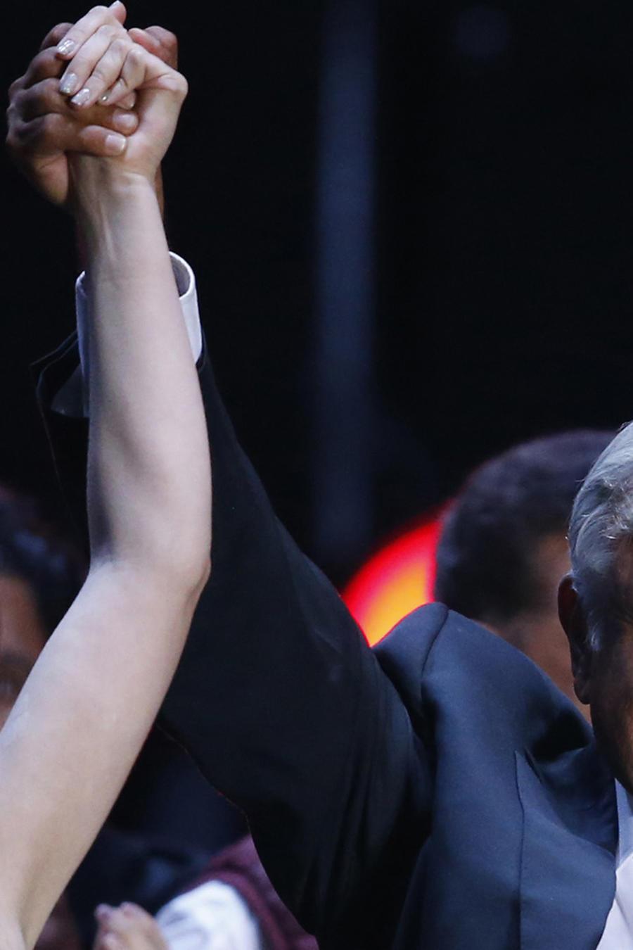 Andres Manuel Lopez Obrador,Belinda
