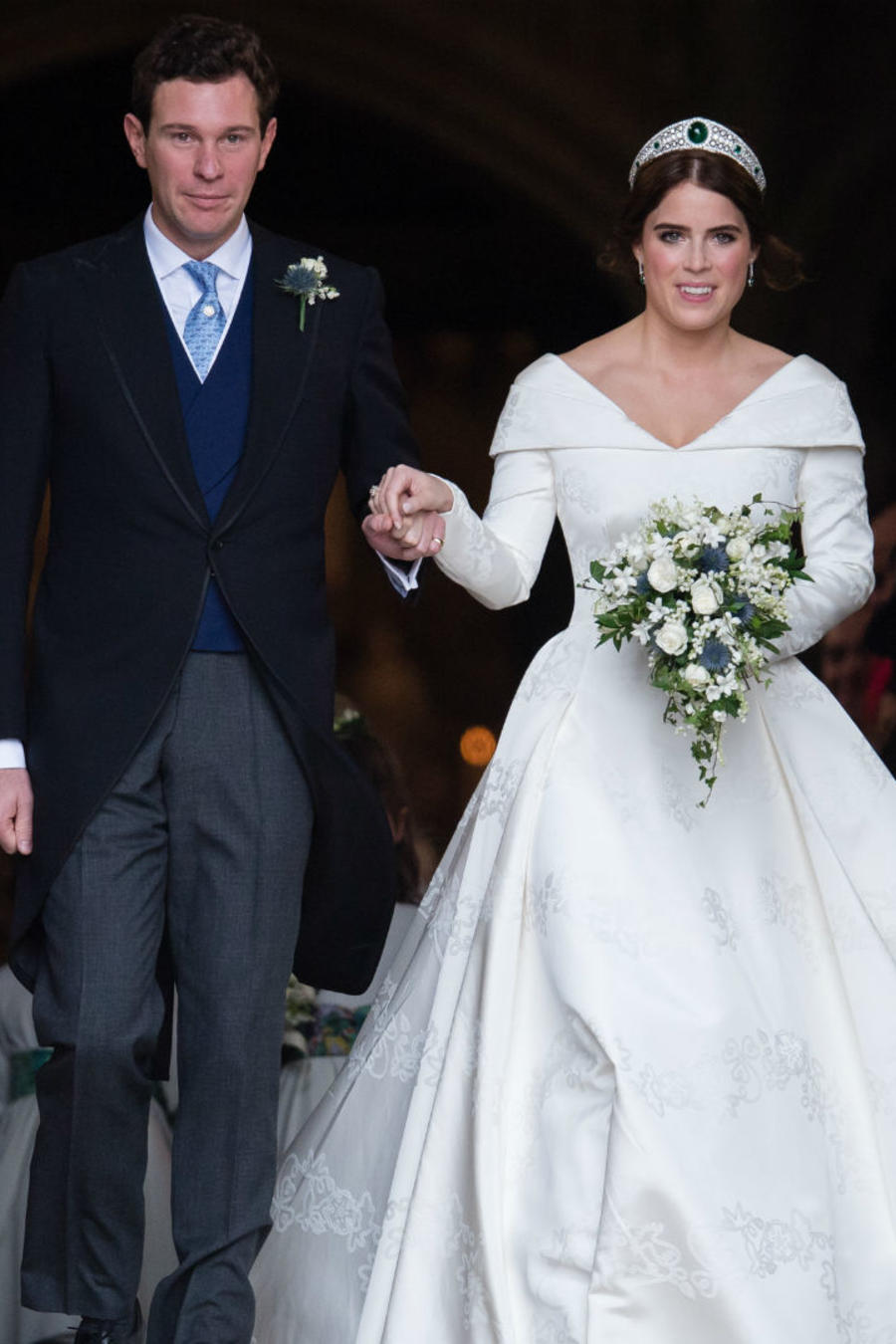 Princesa Eugenia de York saliendo de la iglesia con su esposo