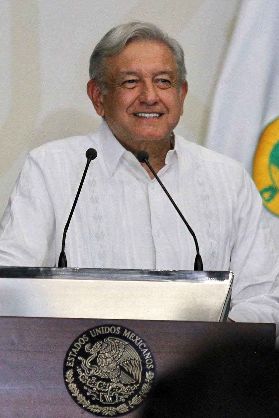 El presidente de México, Andrés Manuel López Obrador, presenta su plan de salud el viernes 14 de diciembre