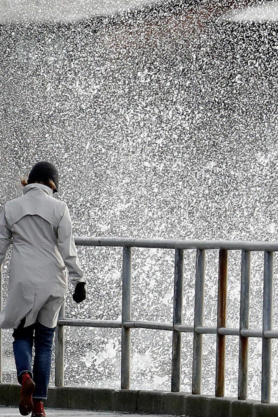 Lluvias en la ciudad de Seattle ayer provocadas por frente de tormentas