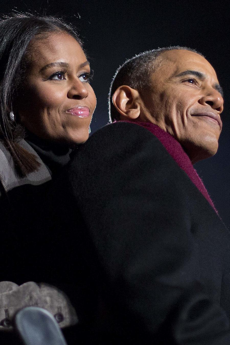El ex presidente Barack Obama y Michelle Obama en una foto de archivo tomada en Washington D.C. durante la iluminación del árbol de Navidad en el año 2016