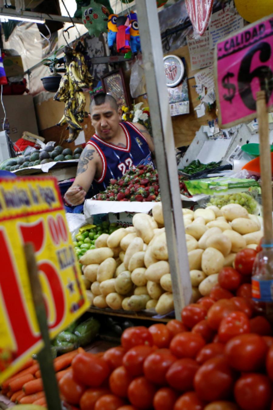 Un puesto de verduras en el Mercado Medellín, en la Ciudad de México, en una imagen de archivo.