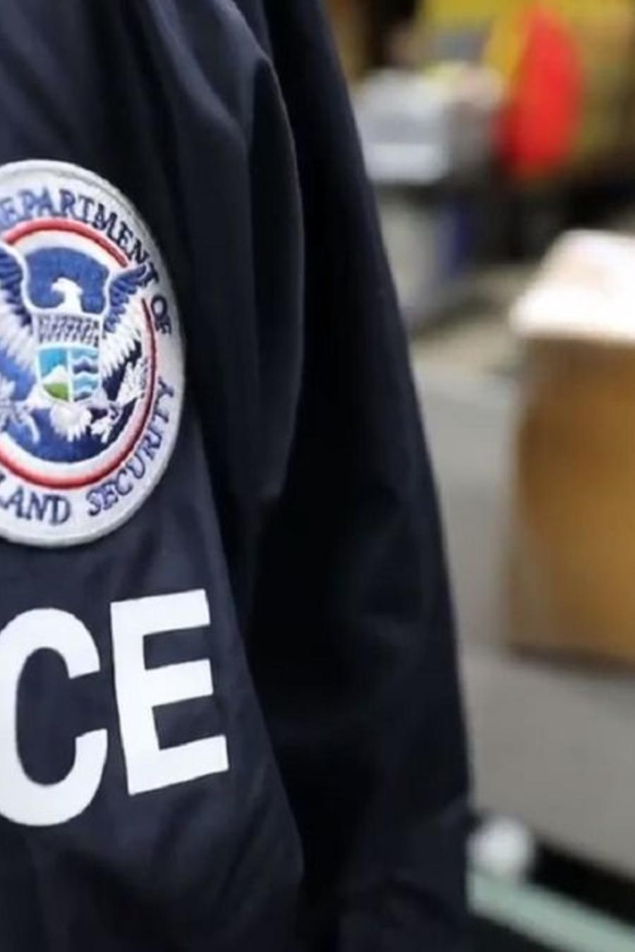Un agente del ICE en una imagen de archivo
