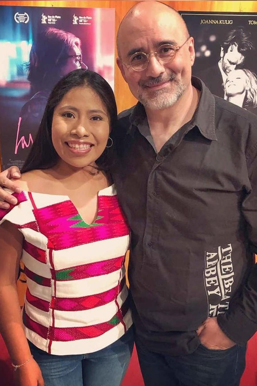 Yalitza Aparicio con top oaxaqueño