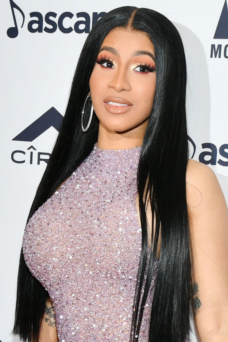 Cardi b en Rythm and Soul Music Awards 2019
