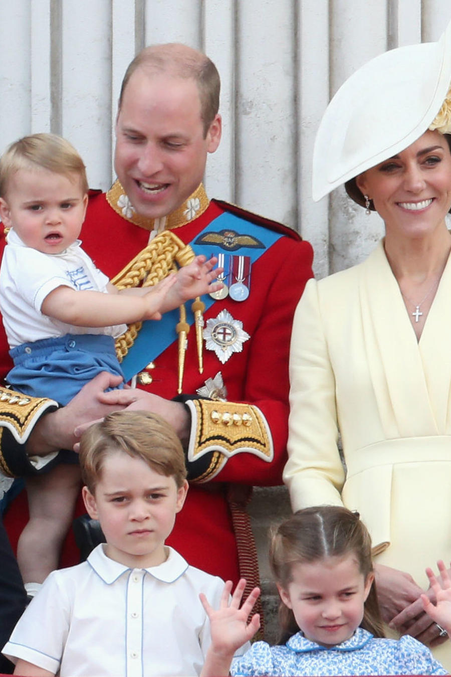Príncipe William con Kate Middleton e hijos
