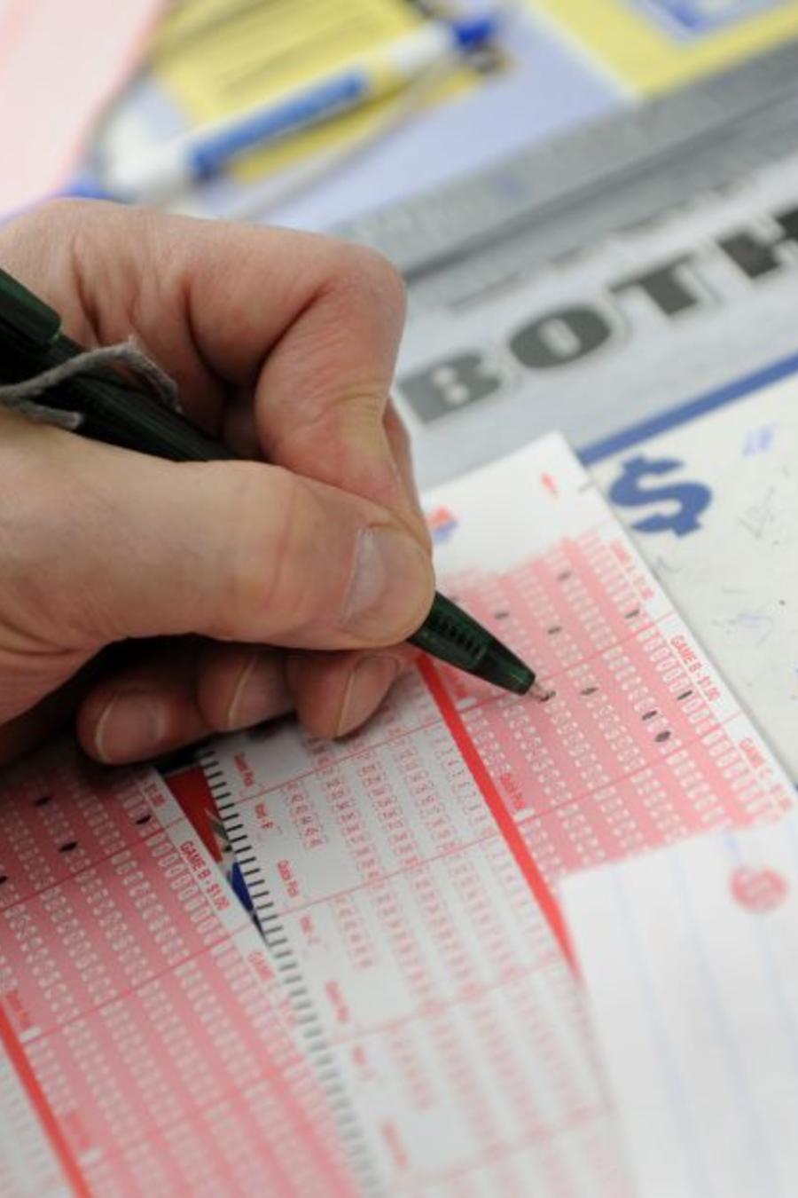 Gana lotería 2 veces con números que sueña